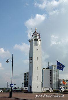 The lighthouse of Noordwijk aan Zee (Netherlands)  De vuurtoren van Noordwijk aan Zee | by Pierino Smaniotto