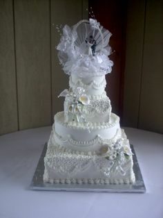 LaRisha - Publix designed cake but I forgot to turn the top square by the time I remembered it I had already boardered it. Cake only feed 102 people. all buttercream with caljava flower sprays , Red And White Weddings, Flower Spray, Cake Board, Beautiful Wedding Cakes, Amazing Places, Wedding Things, Vanilla Cake, Flowers, Wedding Ideas