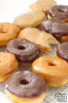 Here are 3 recipes for simple to make, donuts! Maple Bars, Chocolate G… Here are 3 recipes for simple to make, donuts! Maple Bars, Chocolate Glazed and Pumpkin Spice Glazed- you've GOT to try them all! Butter With A Side of Bread Bisquick Recipes, Baking Recipes, Kid Recipes, Whole30 Recipes, Vegetarian Recipes, Healthy Recipes, 15 Minute Recipes, Bisquick Donut Recipe, Recipes With Biscuits Pillsbury