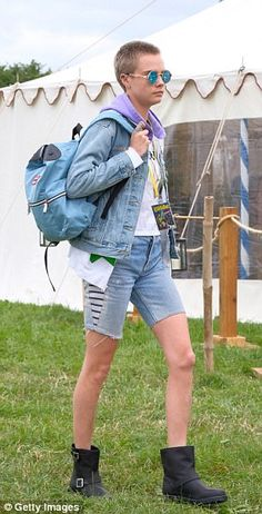 Cara Delevingne, 24, looked as if she'd rather be anywhere else
