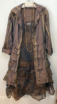 your photos look better here. Magnolia Pearl, Frou Frou, Layered Look, Photo Look, Robin, Kimono Top, Casual Outfits, Boho, Pretty