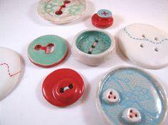 cuaderno de todo por littleisdrawing: Laura Walker - Botones de cerámica