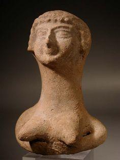 Israelite terracotta bust of the fertility goddess Astarte.   Iron Age II: 1000-586 BC.   Height: 9.92 cm. (4 in.
