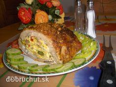 Plnený bravčový bôčik -  Pripravíme si suroviny: bôčik (narezaný z jednej strany, aby sa vytvorila kapsa), cibuľu, slaninu, vajíčka, pór,...