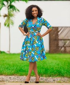 Vibrant colours that makeup Ankara print designs make it easy for good match. Super Fabulous African Print Dress Styles in the entries are mind-blowing Short African Dresses, Ankara Long Gown Styles, African Print Dresses, African Dress Designs, Latest Ankara Styles, African Prints, African Fabric, Short Dresses, African Fashion Ankara