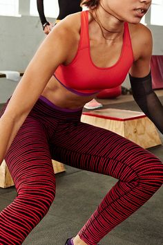The best things come in threes, so gear up in your essential training trifecta — tights, bra and shoes — in the new NikeWomen Style Guide. Sporty Outfits, Athletic Outfits, Fall Outfits, Summer Outfits, Work Outfits, Athletic Clothes, Nike Free Shoes, Running Shoes Nike, Nike Shoes