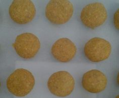Recipe Gluten and Sugar Free Raw Carrot Cake Balls by learn to make this recipe easily in your kitchen machine and discover other Thermomix recipes in Desserts & sweets. Sweets Recipes, Desserts, Free Recipes, Raw Carrot Cakes, Cake Ball Recipes, Gluten Free Oats, Balls Recipe, Free Food, Sugar Free