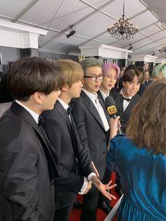 BTS arrives at Grammy Awards red carpet looking dapper Jhope, Bts Bangtan Boy, Namjoon, Taehyung, Bts Jungkook, Jin, Foto Bts, K Pop, Bts Official Light Stick