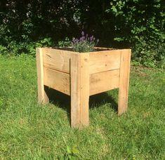 Wood Pallet Planters, Wooden Planter Boxes, Wood Planter Box, Diy Planters, Pallet Patio, Outdoor Pallet, Outdoor Decor, Pallet Flower Box, Wooden Flower Boxes