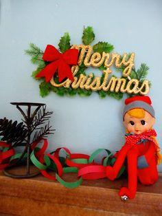 I used to have green felt elves like this...awwww....