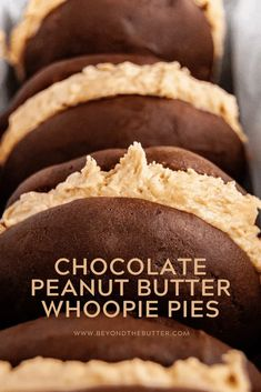 These Chocolate-Peanut Butter Whoopie Pies are soft and moist chocolate cakes with a creamy peanut butter frosting sandwiched in between. It's a classic, yet simple treat that is easy to make for any occasion! Peanut Butter Whoopie Pie Recipe, Chocolate Peanut Butter, Peanut Butter Desserts, Köstliche Desserts, Best Dessert Recipes, Chocolate Recipes, Sweet Recipes, Delicious Desserts, Chocolate Cakes