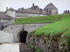 Château+de+Joux:+Forteresse+(fort),+à+La+Cluse-et-Mijoux - France-Voyage.com