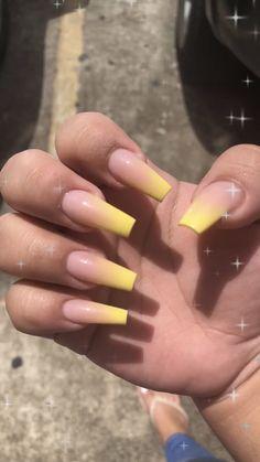 Claws claws claws 👅 nails in 2019 nails, acrylic nails, yellow nails. Aycrlic Nails, Nail Manicure, Cute Nails, Pretty Nails, Manicure Ideas, Classy Nails, Glitter Nails, Acrylic Nails Natural, Summer Acrylic Nails