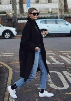 Le Fashion: This Casual Weekend Outfit Has a Fashion-Forward Twist Winter Hipster, Look Street Style, Street Looks, Fall Winter Outfits, Autumn Winter Fashion, Mens Winter, Spring Outfits, Mode Outfits, Fashion Outfits