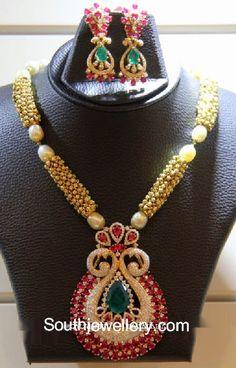bolas de oro collar con colgante de diamantes
