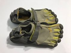 Vibram Five Fingers running shoes. Vibram Five Finger Shoes, Five Fingers, Running Shoes, Lady, Classic, Sneakers, Model, Fashion, Tennis Sneakers