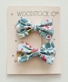 Woodstock London Mini Bow Clip