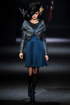 John Galliano Fall 2012 Ready-to-Wear Fashion Show - Lindsey Wixson (Elite)