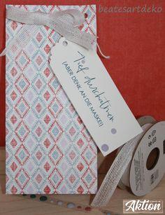Mit meinem geliebten Stanz und Falzbrett für Geschenktüten ist das Sackerl schnell mit dem schönen Designerpapier Vintage-Flair gebastelt.  #stampinupdemo #beatesartdeko #stampinupösterreich #verpackungen #covid19 #sharesunshine Stampinup, Vintage, Paper, Encouragement, Book Folding, Paper Board, Random Stuff, Packaging, Projects