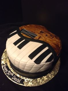 piano violine cake Theme Cakes, Sweet Cakes, Cakes And More, Fondant, Piano, Desserts, Character, Ideas, Food