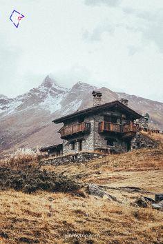 Können Sie glauben, dass es in Italien ist? Es ist ein Alpental in der Nähe des Nationalparks Gran Paradiso #italien #Nationalparks #Alps #joinmytrip #reisen #reise #Reisenmitfreunden #Gruppenreise #Reisepartner #Urlaubspartner #Urlaub #erkunden #entdecken #Abenteuer #inspiration #Reisetipps #reiseziele #explore #Geheimtipps #Discover #Trips Ski Vacation, Dream Vacations, Group Travel, Us Travel, Santorini, Iceland In May, Detox Retreat, Iceland Adventures, Best Skis