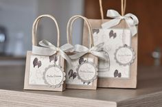 Bestempelt - Bettina und Maria: Flock together Paper Bag Crafts, Paper Gift Bags, Diy Paper, Origami Hand, Origami Gift Box, Christmas Treat Bags, Decorated Gift Bags, Kraft Bag, Jar Gifts