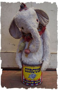 nutty elephant toy Circus Peanuts, My Emma, Thinking Outside The Box, Doll Crafts, Softies, Needle Felting, Teddy Bear, Make It Yourself, Dolls