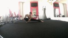 Playing while stretching. Movement is a form of expression.🙏 #capoeira #capoeiraarte #calisthenics#yogaflow #handstand #locomotion #movement #movementculture #yoga #parkour#freerunning #handbalance #breakdance #capoeiraflow #capoeiramovies #health #fitness #cardio #crossfit #active #training #clujlife #clujnapoca #bridgepose #mobility #stretching #martialart #functionaltraining #gymnastics