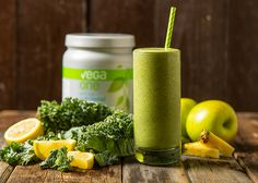 Getting sick of your regular smoothie routine? We've all been there: you fall in love with a new smoothie recipe, you stock up your kitchen with all the ri