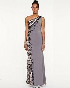 http://www.lechateau.com/style/jump/Robe longue à appliques de dentelle et paillettes/productDetail/TOUTES LES ROBES/328269/cat37630734