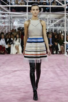 Haute Couture Spring-Summer 2015 Fashion Show / Haute Couture / Woman / Dior official website