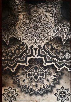 Lace henna shadows