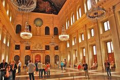 #Royal_Palace is one of the 3 palaces in #Netherlands which are at the disposal of the monarch by Act of Parliament..
