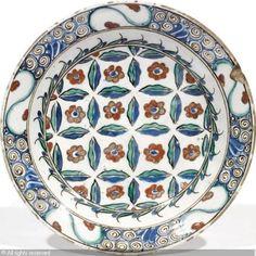 IZNIK CERAMIC, 16 > (Turkey)  Title : PLAT  Date :  PLAT sold by Millon & Associés, Paris, on Monday, June 04, 2012