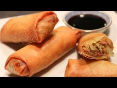 Rolinhos Primavera (Crepes chineses) - YouTube Crepes, Chinese Food, Hot Dog Buns, Tapas, Sushi, Sausage, Low Carb, Bread, Snacks