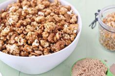 Salted Caramel Cashew Popcorn | bakeyourday.net