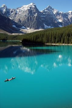 Turquoise, Moraine Lake, Banff, Alberta, Canada photo by Redeo. Banff is a beautiful place. Lago Moraine, Lac Louise, Places To Travel, Places To See, Travel Destinations, Travel Tips, Travel Hacks, Places Around The World, Around The Worlds
