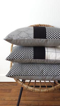 Black & white : coussins simples et modernes ! http://www.mondialtissus.fr/maison/tissus/deco.html