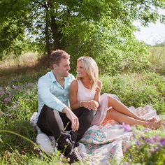 Everything about this engagement photo is beautiful - the colors, the scenery, and them!!!