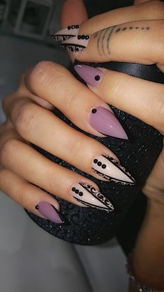 Nail art natural colors