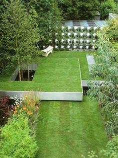 Rasen Terrassen Niveaus kreieren-Bäume Sträucher