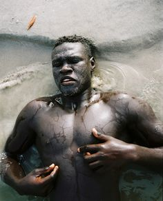 Born in the late Barcelona-based photographer Dani Pujalte's body of work demonstrates the emotional journey experienced by many in his generation: changing expectations of. Foto Art, Black Artists, Brown Skin, Black People, Black Is Beautiful, Character Inspiration, Film Inspiration, Portrait Photography, Water Photography