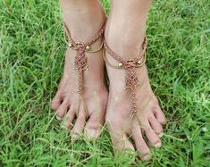 Sandales aux pieds nus / bijoux de pieds en macramé / sandales aux pieds nus en macramé / lien cheville / Bohème bijoux de pieds / Gypsy / bijou Hippie