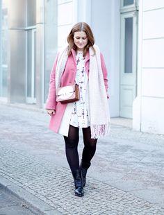 Fashion Week Berlin Streetstyle Pink Coat