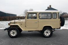 bj46   Any pics of stretched 40's?