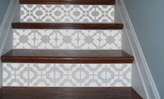 Vinyle escalier contremarche décorative effet carreau de ciment trompe l'oeil.