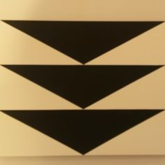 Carmen Herrera's acrylic on canvas from 2012 at #lissongallery @friezeartfair #frieze #classic