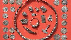 Hobby Archaeologists Find Treasure of Legendary Viking King Harald Bluetooth on Germany's Ruegen Island in Baltic Sea - Archaeology in Bulgaria. Medieval Jewelry, Viking Jewelry, Old Silver Coins, Gold Coins, Germanic Tribes, 13 Year Old Boys, Ancient Vikings, Old Norse, Viking Age
