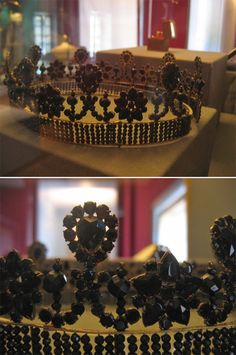 """Mourning tiara of Hortense Eugénie Cécile Bonaparte de Beauharnais, Queen consort of Holland.  The """"Diadème de Deuil,"""" was worn while she was in mourning after her husband Louis Napoléon Bonaparte's death in 1846.  He was the brother of Napoleon."""