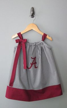 University of Alabama Pillowcase Dress by jamnjelli on Etsy Little Dresses, Little Girl Dresses, Cute Dresses, Sewing Clothes, Diy Clothes, Clothing Patterns, Dress Patterns, Kids Clothing, Pillowcase Dress Pattern